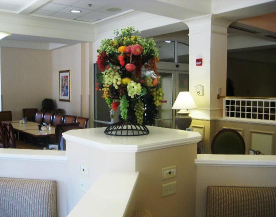 Hilton Garden Inn West Lafayette Wabash Landing: Lobby