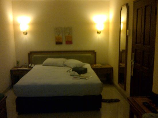 Losari Beach Hotel: standard room
