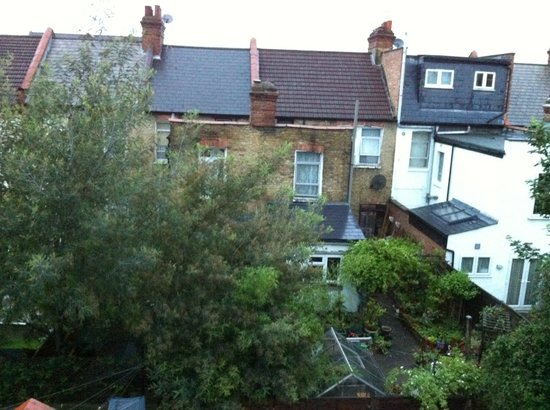 FlexiStay Aparthotel Tooting London : view from our room