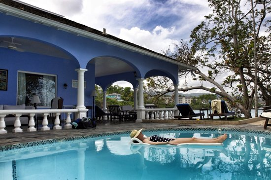 Jamaica Inn: White Suite pool