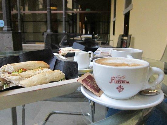 Gastrobar Mnh Armando Saldanha: Desayuno