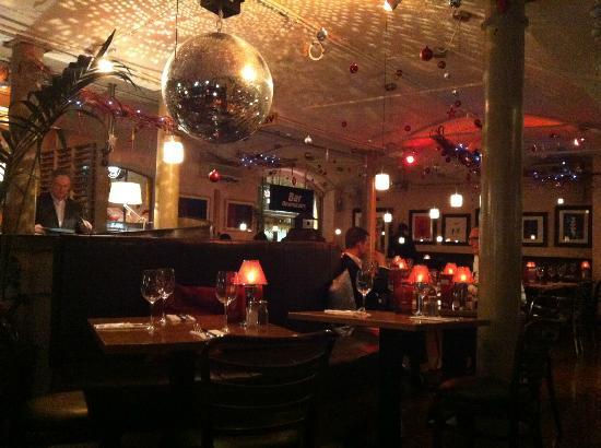 Frankies Steakhouse and Bar: sala interna