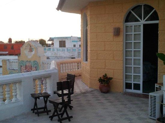 Hotel Quinta Progreso: hotel room and balcony