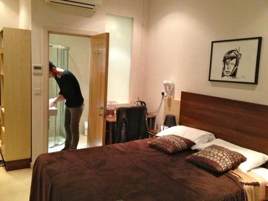 Avni Kensington Hotel: Dettaglio Stanza 