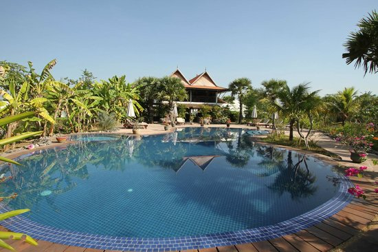 Battambang Resort: new, clean, & refreshing pool