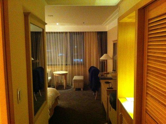 Shangria Beach Hotel: Room