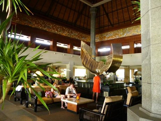 INTERCONTINENTAL Bali Resort: Lobby Sculpture