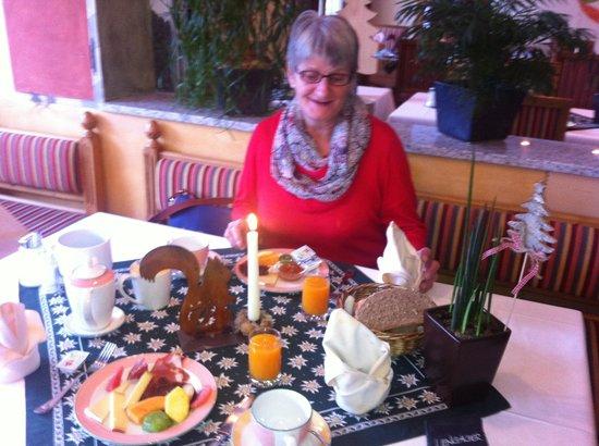 BelArosa Hotel: Am Frühstücktisch