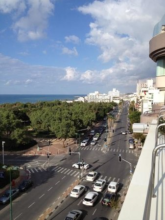 Shalom Hotel & Relax Tel Aviv - an Atlas Boutique Hotel: view from rooftop