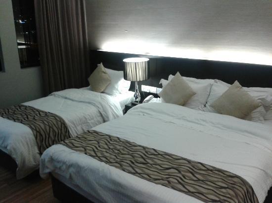 11@Century Hotel: Deluxe Room