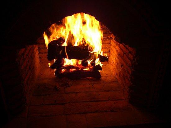 Riad Boussa: 暖炉。
