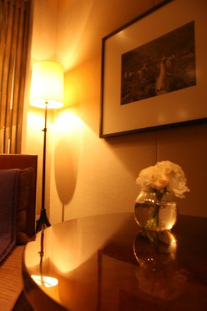 Serena Hotel: a comfy stylish room!