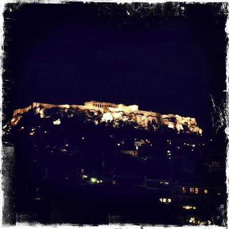 Plaka Hotel: Akropolis by night from the rooftop