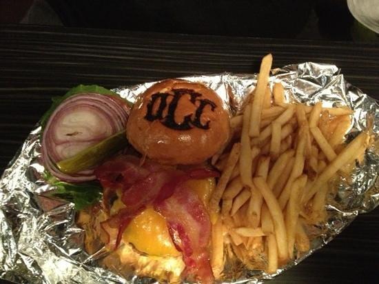 Orange County Chopper Cafe: Factory Stocked Burger