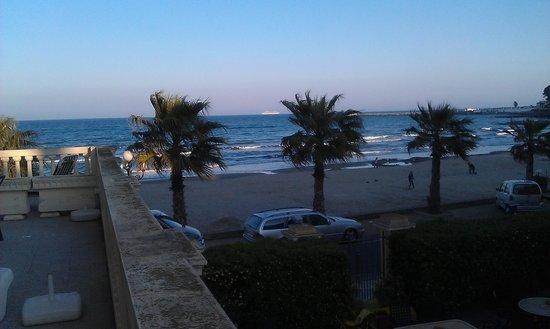 Lorenza Sul Mare: schöner Blick zum Strand