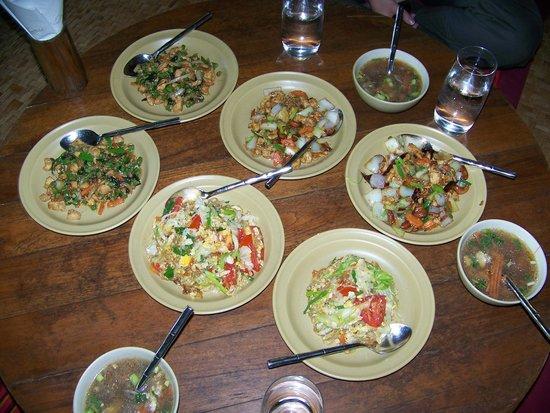 Lisu Lodge: Repas