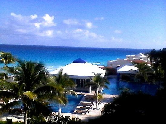 Solymar Cancun Beach Resort: View from balcony of Suite 2410 at Solymar