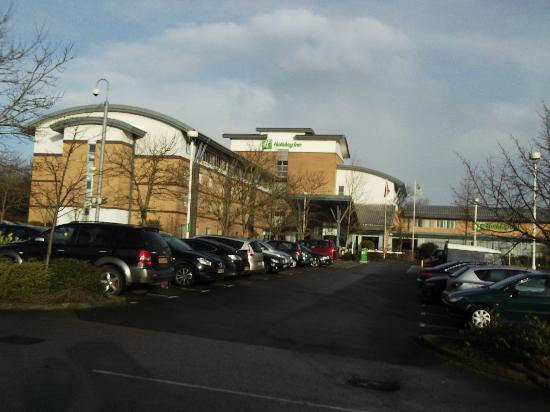 Holiday Inn Oxford: Front of hotel