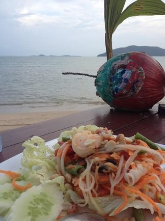 Centra by Centara Coconut Beach Resort Samui : ส้มตำทะเล