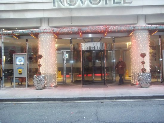 Novotel London Tower Bridge: The entrance (at Christmas time).