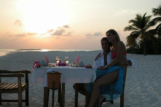 Kuredu Island Resort & Spa: Candle Light Dinner on Beach