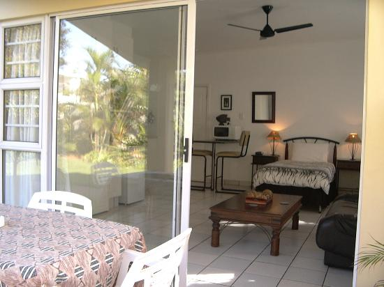 Beachside Guest House: Outside room 2