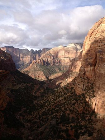 Zion Lodge: A morning canyon view in Zion NP, UT.
