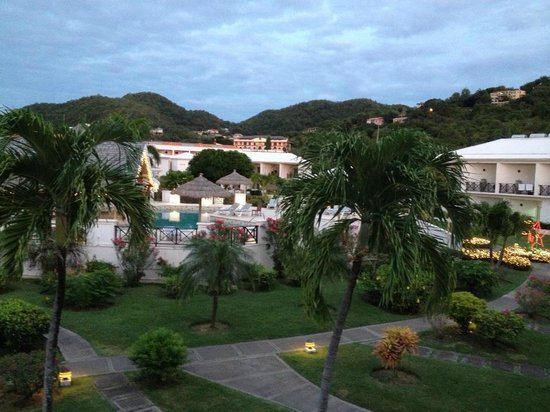 Coyaba Beach Resort: As night falls the garden comes to life with the sound of wildlife