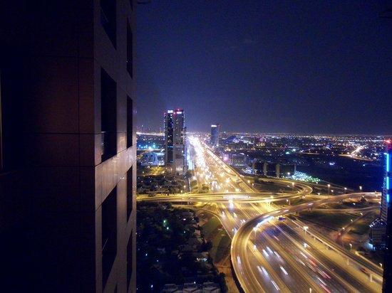 Gloria Hotel: Blick aus dem Fenster Stadtblick 37. Etage