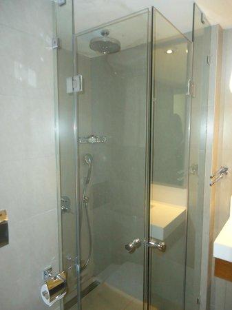 Bodrum Gulet Hotel : Renovated bathroom