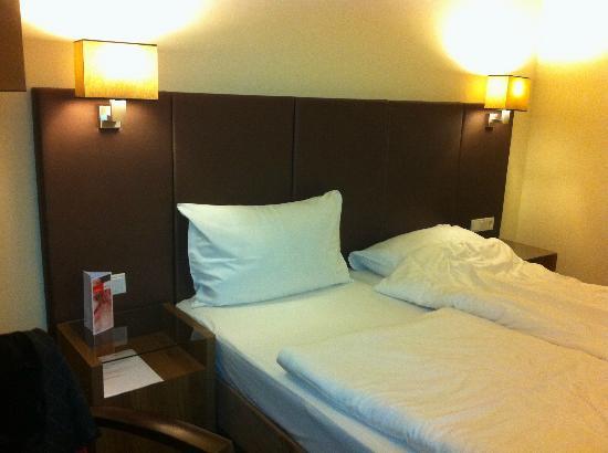 Austria Trend Hotel Doppio Wien: Bed