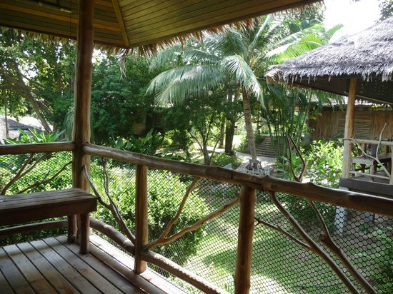 Coral Bay Resort: Blick von der Veranda des Bungalows