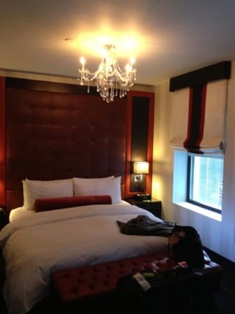 Sanctuary Hotel New York: superior king room. xoxo