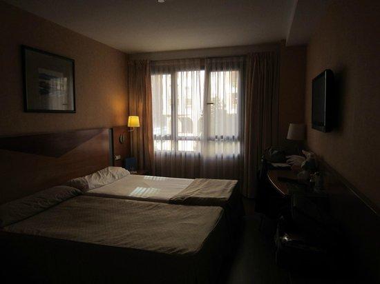 Hotel Silken Villa de Avilés: the room
