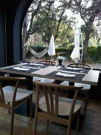 Ebano Gastro Bar: El jardin de tu casa