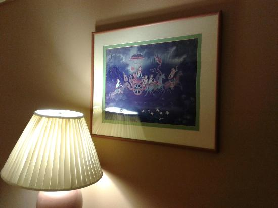 The Twin Towers Hotel: Framed picture in room