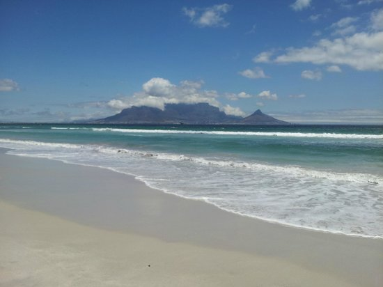 Ocean Blue Guest House & Conference Rooms: Blouberg Beach