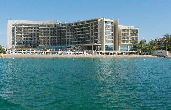 Kempinski Hotel Aqaba Red Sea: Fasad mot väster
