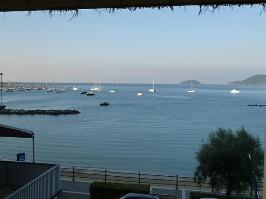 Hotel Florida Lerici: Stunning view from the bedroom balcony
