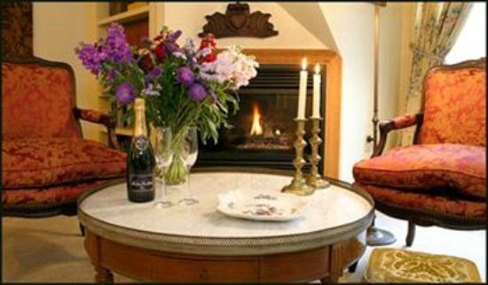 Manor House Inn: Romance - Manor House