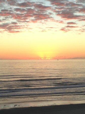 One Ocean Resort & Spa: Sunrise from my balcony 