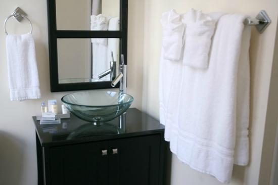 Hotel Brexton: Guest Room Bathroom