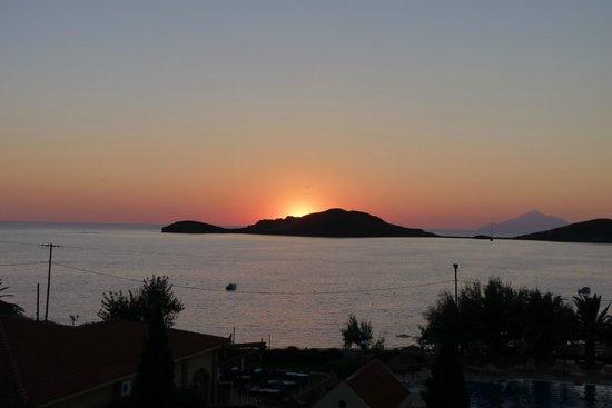 Lemnos Village Resort Hotel: tramonto del balcone della camera