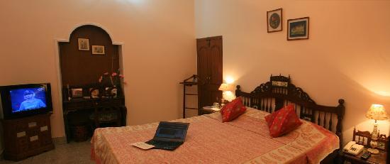 Rawla Rawatstar: Deluxe room