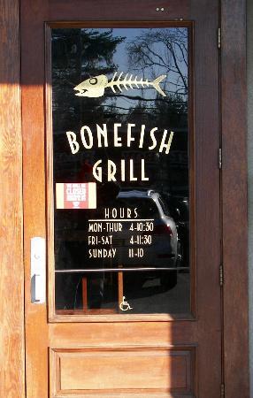 Bonefish Grill: Door