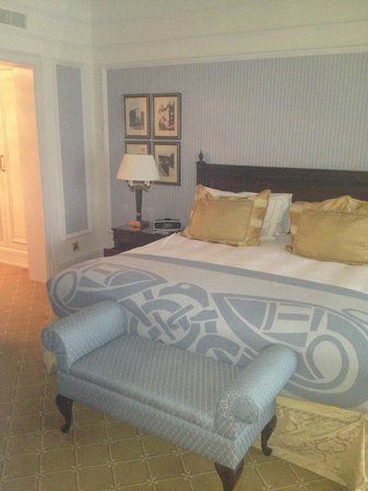 Powerscourt Hotel, Autograph Collection: double doors leading to large en-suite