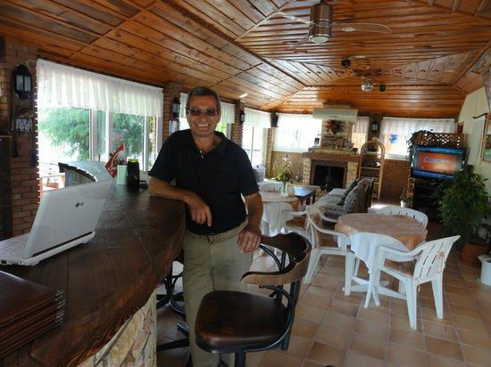 Crescent Hasirci Hotel & Villas: Ali, the lovely owner