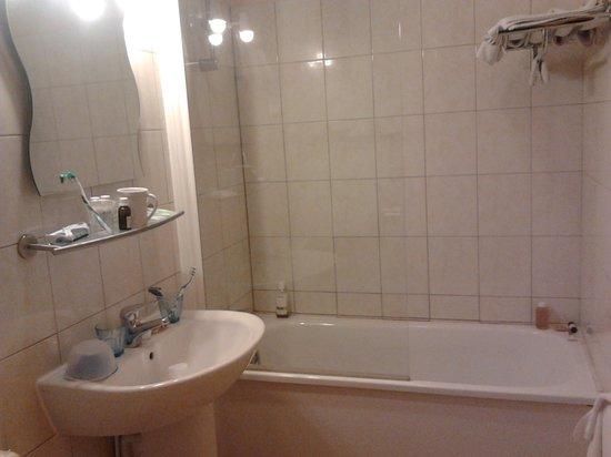 Hotel de la Plage : salle de bains.