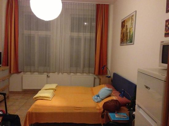 Aparthotel City 5: room
