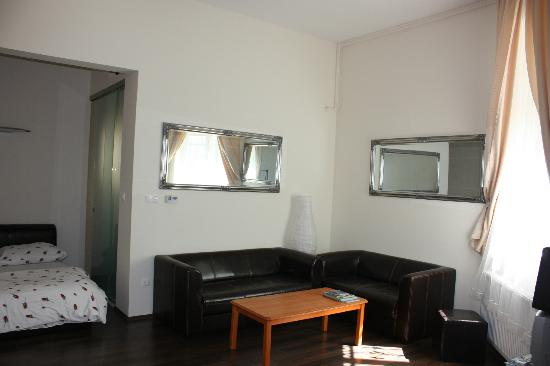 Corso Apartment: Room